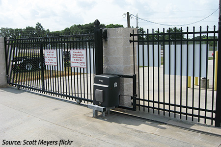 what should I look for when choosing a self storage facility