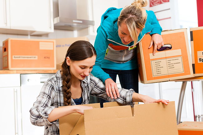 Timely help by good friends is always welcome, especially when packing and unpacking.